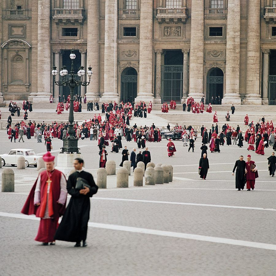 900px-Second_Vatican_Council_by_Lothar_Wolleh_006