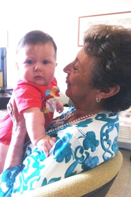 Paola con un bimbo del CAV