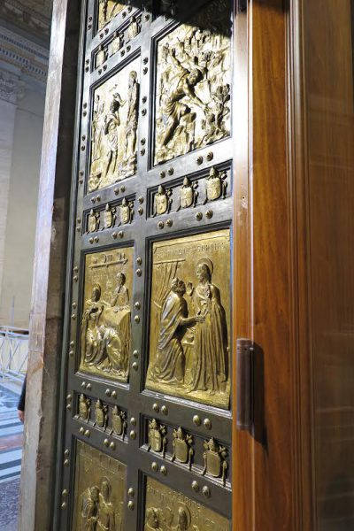holy-doors-st-peters-2016-e1468624936267