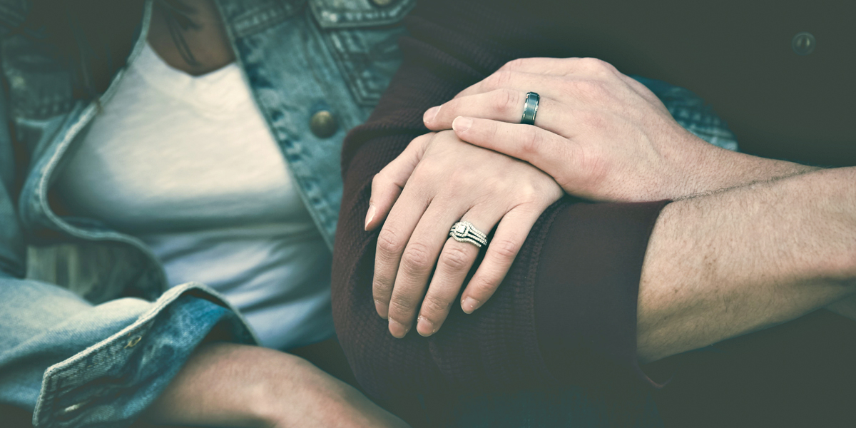 MARRIED COUPLE,HANDS,RINGS