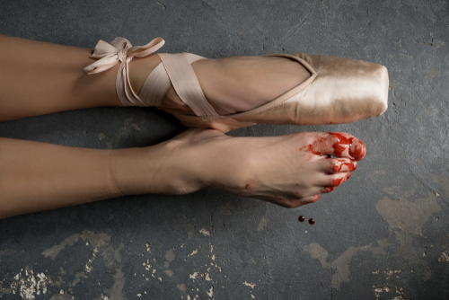 BALLERINA, SHOES, BLOOD